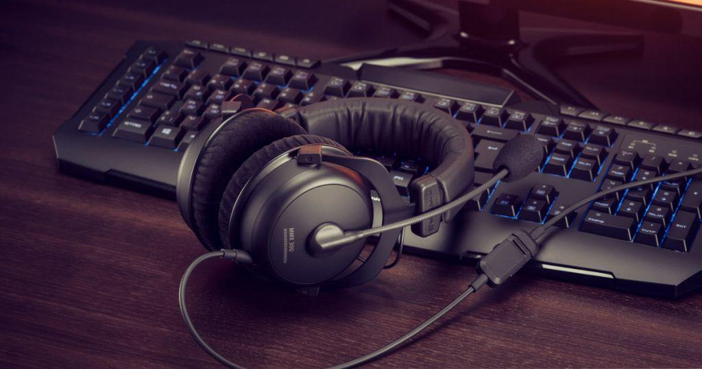 beyerdynamic mit neuen gaming headsets auf der ces 2017. Black Bedroom Furniture Sets. Home Design Ideas